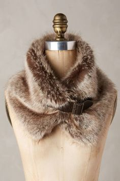 October Arrivals: Winter Accessories Turia Faux-Fur Collar by Helen MooreTuria Faux-Fur Collar by Helen Moore Faux Fur Stole, Faux Fur Collar, Fur Collars, Fur Fashion, Look Fashion, Sporty Fashion, Fashion Women, Winter Wear, Autumn Winter Fashion