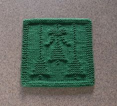 CHRISTMAS BELLS & BOW Knit Dishcloth. Green 100% Cotton. Hand Knitted Unique Design. Holiday Dish Cloth, Table Decor, Hostess Gift, Ornament...