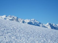 Blick aufs Tennengebirge #berge #salzburg #österreich Hallstatt, Austria, Mount Everest, Mountains, Nature, Travel, Salzburg Austria, Mountain Range, Environment