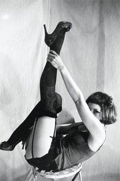 Berlin Cabaret Cabaret, Dita Von Teese, Vintage Photographs, Vintage Photos, Berlin Spree, Brave, Ziegfeld Girls, Roaring Twenties, Showgirls