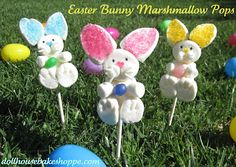 Bunny Marshmallow Pops..Adorable! Sugar Sprinkles, Easter Bunny, Easter Eggs, Easter Food, Hoppy Easter, Easter Party, Colored Sugar, Edible Crafts, Cake Recipes