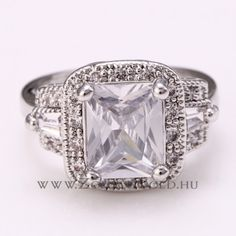 Genoveva gyűrű - Zomax Gold divatékszer www. Bling, Engagement Rings, Gold, Jewelry, Enagement Rings, Jewel, Wedding Rings, Jewlery, Jewerly