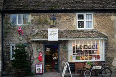 Lacock Village, Wiltshire | 22 Places In The UK That Are A Must-See For Jane Austen Fans