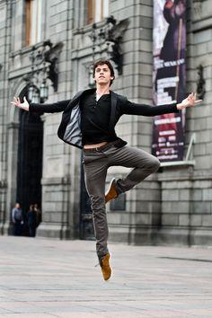 Javier Cacheiro of the Compañia Nacional de Danza México leaping about for photographer Carlos Quezada.