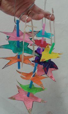 Ghirlande di stelle per l'albero di Natale! Carta, cannucce, nastro e glitter