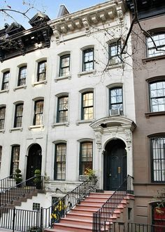 The iconic brownstone at 169 East Street in Manhattan, New York City was made famous by the film Breakfast at Tiffany's starring Audrey Hepburn as Holly Golightly who lived here alongside Paul Varjak, played by George Peppard.