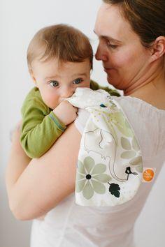 Süßes Spucktuch für süße Babys, das Must-Have für alle Mütter / cute burp cloth for cute babies, the must-have for all mothers made by millemarille via DaWanda.com