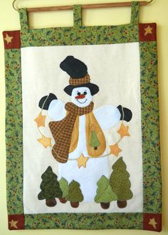 Snowman Wallhanging Snowman with a Garland of by ComfyCosyCrafts