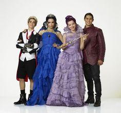 "Disney ""Descendants"" - The Evil Four in coronation clothes"