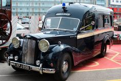 Austin Sheerline A125 ambulance from the early 1950's