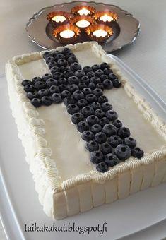 Moi! Tätä ihanaa mustikkaleivoskakkua meillä syötiin itsenäisyyspäivänä. Mustikkahan on melko mieto marja, mutta kakku on tosi hyvää ja r...