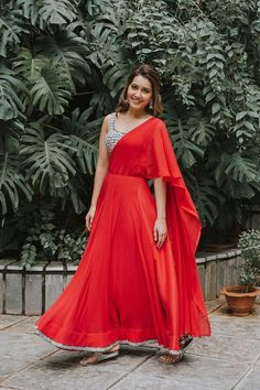 Raashi Khanna Beautiful HD Photoshoot Stills & Mobile Wallpapers HD Indian Dresses, Indian Outfits, Bridal Dresses, Girls Dresses, Frocks And Gowns, Traditional Sarees, Types Of Dresses, Indian Ethnic, Indian Style