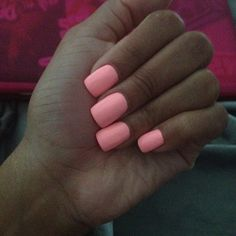 love the shape and color of these nails