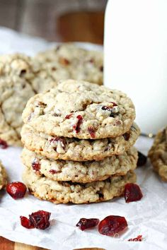 Cranberry Cowboy Cookies Recipe: Loaded with chocolate chips, toffee, oats, and dried dates and cranberries, these spiced cookies are perfect for fall and the holiday season too. Toffee Cookies, Spice Cookies, Sugar Cookies, Orange Cookies, Buttery Cookies, Cookie Bars, Cranberry Recipes, Holiday Recipes, Fall Recipes