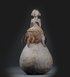 Luba, Dem. Rep. of Congo: A ritual calabash of a priest, soothsayer or healer of the Luba.