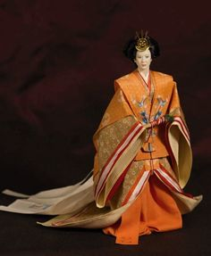 "Yuna: Japanese woman in ""Junihitoe"", a court dress from the Heian period."