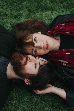 Moody romantic couple portrait | Devlin Photos