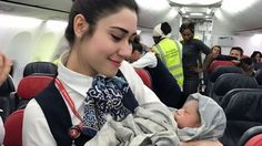 A lady who traveled from Turkey to Istanbul delivered a girl baby in the air at of 42,000 feet height goes viral online. #LatestUpdate #ChennaiUngalKaiyil.