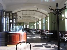 Coffeehouse (Cafe) Museum, Vienna / Coffeehouse Architecture from Adolf Loos - Foto: Claudia Hellmann Art And Architecture, Architecture Details, Ornament And Crime, Art Nouveau, Art Deco, Modernist Movement, Bistro Lights, Vienna, Indoor Outdoor
