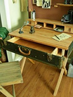 Reserved for Nazia.Suitcase Writing Desk, Wardrobe Trunk Desk, Upcycled Writing Desk Reserved for Nazia. Furniture Projects, Furniture Makeover, Diy Furniture, Painted Furniture, Diy Projects, Furniture Design, Plywood Furniture, Chair Design, House Furniture