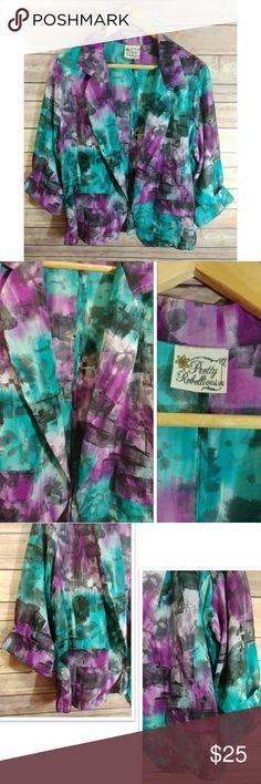 🔥🌹 VTG. Retro Art Deco Blazer Beautiful retro Art Deco look blazer. In perfect condition, like new. Faux pockets, no buttons. it's an open Blazer. No size tag but size its  XL. Pretty Rebellious Jackets & Coats Blazers