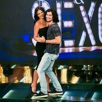 Gabriel Leone 'chega' em Bruna Marquezine enquanto dançam coladinhos no 'Amor…