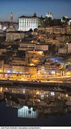 Porto, cidade linda banhada pelo Rio Douro