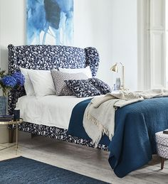 blue and white bedroom decor