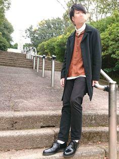 どうもしゅんです 今日はオープンカラーシャツとコートのコーデです配色はモノトーン+ブラウンで