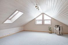 FINN – Skivika - Enebolig med godkjent hybel, garasje og flotte utearealer Stairs, Real Estate, Mirror, House, Furniture, Home Decor, Stairway, Decoration Home, Home