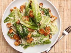 the Food Lab: The Best Caesar Salad. via Serious Eats Serious Eats, Salad Dressing Recipes, Salad Recipes, Salad Dressings, Food Lab, A Food, Garlic Parmesan, Ceasar Salat, Kitchen