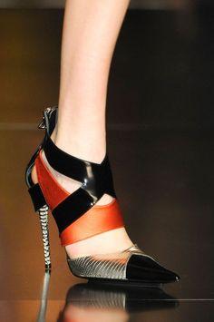 Escarpin orange et noir j'adoooore :) :)