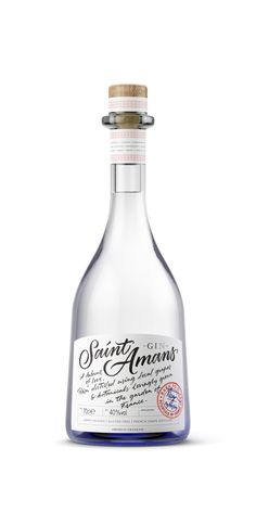 A handcrafted, small-batch gin. Born and made in the south of France. Alcohol and gin Packaging design. Bottle design and label design. Calligraphy and hand typography with handwriting. Beverage Packaging, Bottle Packaging, Bottle Labels, Rum Bottle, Liquor Bottles, Hand Typography, Lettering, Booze Drink, Drinks