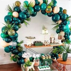 What a fab balloon arch for a tropical party The post 25 Balloon Ideas For Party appeared first on Dekoration. Balloon Garland, Balloon Decorations, Baby Shower Decorations, Jungle Party Decorations, Unique Baby Shower Themes, Balloon Balloon, Birthday Party Decorations Diy, Balloon Backdrop, Babyshower Themes For Boys