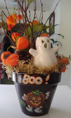 Great #Halloween idea for a cedar tub planter...#coopersmithandson #gardening