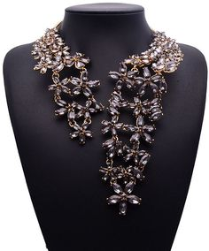 Famous Alloy Fine Jewelry Vintage Crystal Statement Necklace Maxi Necklaces & Pendant Rhinestone Pendant