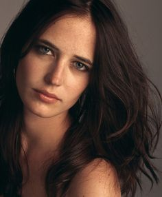 When I'm not working I just like to be comfortable: I love black, nothing tight, no heels, no make-up - it's nice to be able to breathe! - Eva Green