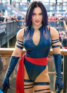 Marvel Cosplay Girls, Xmen Cosplay, Male Cosplay, Cosplay Costumes, Mom Body, Psylocke, Muscular Women, Muscle Girls, Girl Gifs