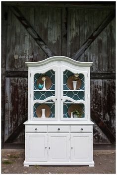 White Distressed Hutch For Sale – Tuesday's Treasures Refurbished Furniture, Repurposed Furniture, Painted Furniture, Distressed Hutch, Painted Hutch, Painting Cabinets, Farmhouse Table, Furniture Projects, New Homes
