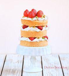 Dulces bocados: Layer cake de fresas y pistachos