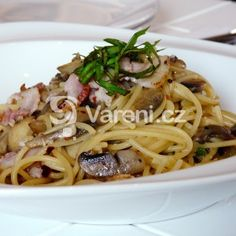 Špagety se žampiony a slaninou recept - Vareni.cz Foodies, Spaghetti, Ethnic Recipes, Noodle