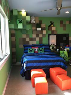 Teenage Boys Bedroom Design With Minecraft Theme 1 Teenager-Schlafzimmer-Design mit Minecraft-Thema 1 Boys Minecraft Bedroom, Minecraft Room, Minecraft Crafts, Minecraft Bedding, Minecraft Party Decorations, Minecraft Furniture, Minecraft Skins, Minecraft Buildings, Bedroom Walls