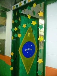 34 Ideias de Painéis e decorações para Copa do mundo - Aluno On Brazil Carnival, Diy Party, Classroom Decor, Preschool Activities, Homeschool, Projects To Try, Birthday Parties, Education, Frame