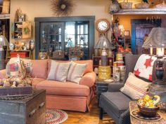 Practical Magic: An antiques-loving Indiana couple manage to combine old-fashioned country flair with energy-saving practicality in their meticulously planned home, where style meets technology. (Photographed by Bill Mathews, styled by Gloria Gale) Country Style Living Room, Country Living Magazine, Country Decor, Country Chic, Primitive Homes, Primitive Country, Primitive Decor, Primitive Furniture, Americana Living Rooms