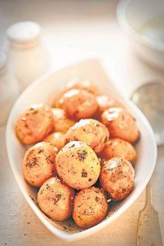 RESEP: Baba-aartappels met knoffel   Netwerk24.com Hashim Amla, Food, Essen, Meals, Yemek, Eten