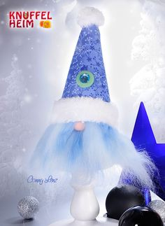 Wichtel in Blau für Weihnachten, #Weihnachtsdekoration #Weihnachten #basteln #Handarbeit #DIY #Winter #Geschenke Lava Lamp, Table Lamp, Home Decor, Christmas Decorations, Handarbeit, Christmas, Blue, Gifts, Crafting