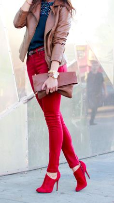 LOVE anything red! Add a black jacket and bling purse and its perfection!