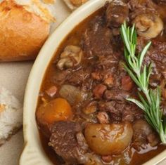 This Super Bowl stew is a winner - healthy and hearty! It's loaded with juicy chunks of beef, sweet onions, baby Bella mushrooms, and tart cranberries. Serve it over whole-grain pasta. Guinness Beef Stew, Easy Beef Stew, Cooking Recipes, Healthy Recipes, Recipes From Heaven, Pot Roast, Healthy Eating, Healthy Kids, Sweet Like Candy