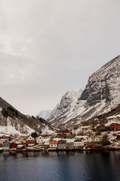 betomad:     Flåm fjord, Norway. photo by Dave... - Somewhere along the way