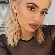 kylie jenner lip kit blond hair makeup tutorial #kyliejenner